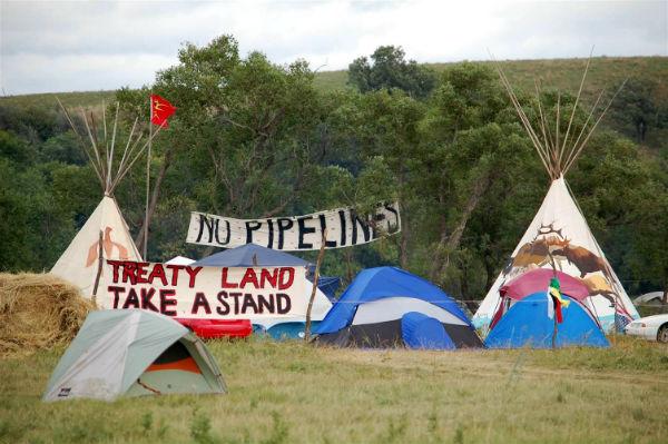 eua-indios-do-standing-rock-sioux-declararam-gue-1