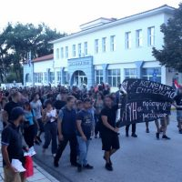 [Grécia] Oreokastro, Tessalônica: Manifestação anarquista contra a atitude racista da Associação de Pais de Alunos