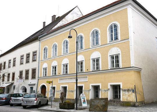 austria-casa-onde-hitler-nasceu-sera-demolida-1
