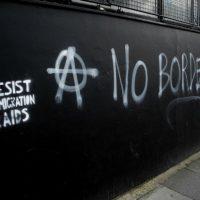 [Grécia] Resposta da coletividade antiautoritária a libelo esquerdista contra as okupas de teto para imigrantes e refugiados