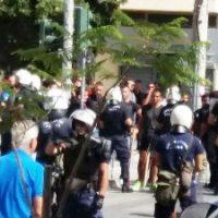 [Grécia] Réthimno, Creta: Operação coordenada entre a Polícia e grupos fascistas durante manifestação antifascista