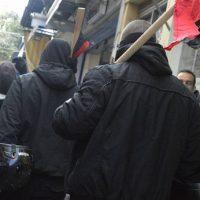 [Grécia] Intervenção antifascista em Mitilene durante a chegada na ilha dos deputados nazis Kasidiaris e Lagos
