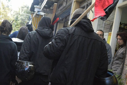 grecia-intervencao-antifascista-em-mitilene-dura-1