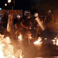 """[Grécia] Vídeo: Em Atenas, anarquistas dão as """"boas-vindas"""" a Barack Obama"""