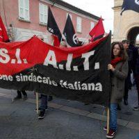 [Itália] Também em Reggio Emilia ocorreu a Greve Geral convocada pela USI-AIT e CUB