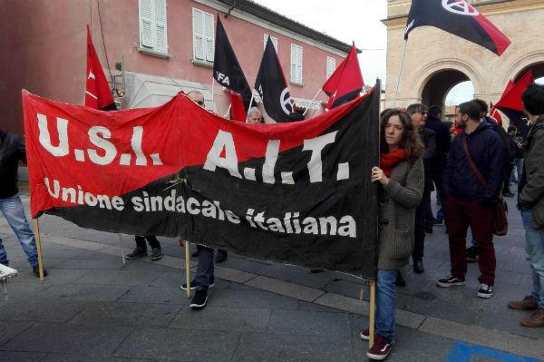 italia-tambem-em-reggio-emilia-ocorreu-a-greve-g-1