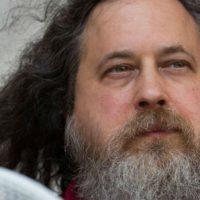 """[Portugal] """"As pessoas não usam o Facebook. O Facebook usa as pessoas"""", diz Richard Stallman"""