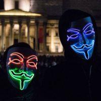"""[Reino Unido] """"Marcha de Milhões de Máscaras"""": Protesto anticapitalista organizado pelo Anonymous em Londres terminou com 47 pessoas detidas"""