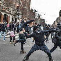 Anarquistas prometem conter ascensão da extrema-direita nos EUA