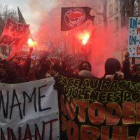 [França] Em Paris, milhares de pessoas participam de protesto contra violência policial e racismo