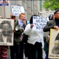 [EUA] Ativistas exigem liberdade para Mumia Abu-Jamal em frente do Tribunal da Filadélfia