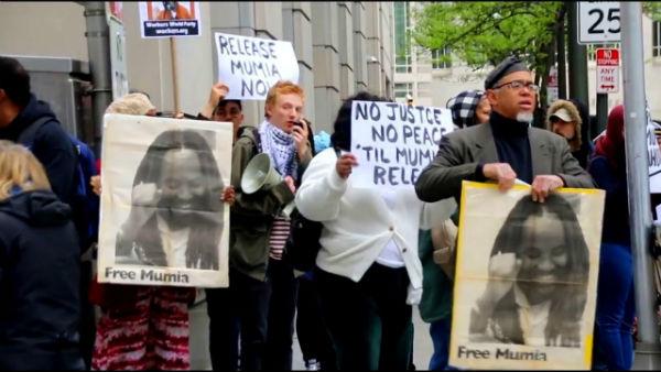eua-ativistas-exigem-liberdade-para-mumia-abu-ja-1