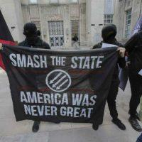 [EUA] Houston, Texas: Manifestantes #PerturbeMAGA no dia 25 de Março