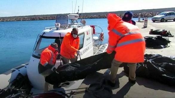 grecia-ao-menos-15-migrantes-mortos-em-naufragio-1