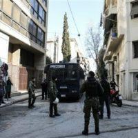 [Grécia] Tessalônica: Desalojo de okupa de teto