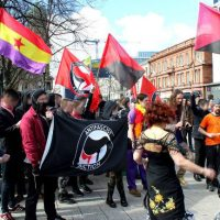 [Irlanda do Norte] Belfast: Manifestantes antifascistas superam numericamente a extrema-direita da UDL