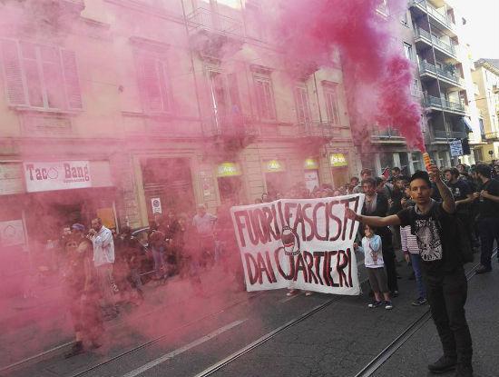 italia-marcha-antifascista-em-san-salvario-turim-1
