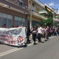 [Grécia] Ilion, Atenas, 21 de maio de 2017: Manifestação contra os fascistas e os seus amiguitos policiais
