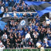 [Japão] Clube japonês é multado por conta de bandeira nazista no meio da sua torcida