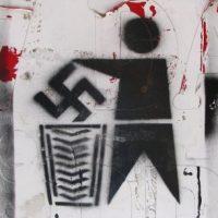 UFRJ irá acionar polícia para investigar pichações nazistas em campus