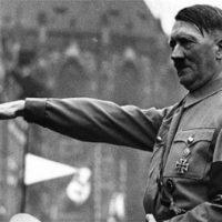 [Alemanha] Turista americano faz saudação nazista em Dresden e é agredido