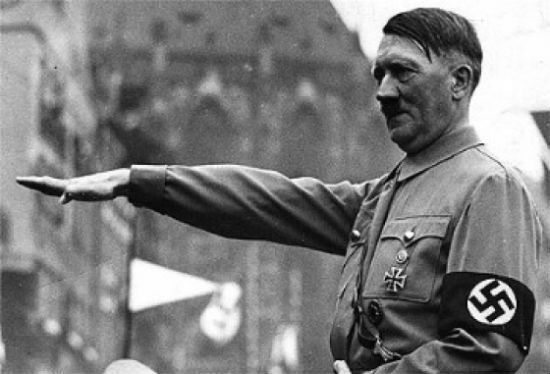 alemanha-turista-americano-faz-saudacao-nazista-1