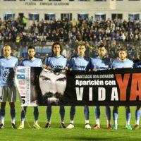 [Argentina] A reivindicação de aparição com vida de Santiago Maldonado chegou aos estádios de futebol
