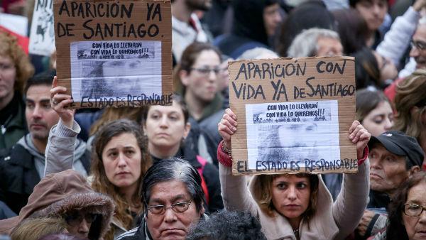 argentina-buenos-aires-massiva-marcha-por-santia-4.jpg