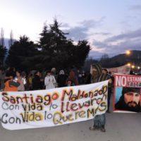 [Argentina] El Bolsón: Cerca de mil manifestantes reclamaram pela aparição de Maldonado
