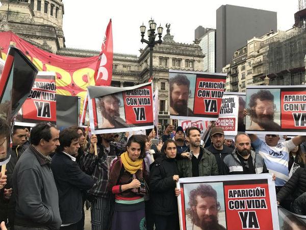 argentina-frente-ao-congresso-pediram-a-aparicao-1