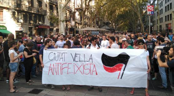 espanha-em-barcelona-moradores-e-antifascistas-e-1