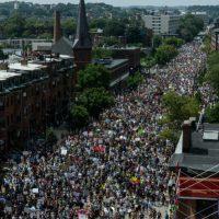 [EUA] Protesto de ativistas de extrema-direita é sufocado por manifestação antirracismo em Boston