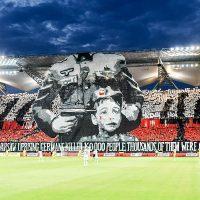 [Polônia] Torcedores do Legia Varsóvia exibem enorme mosaico antinazista