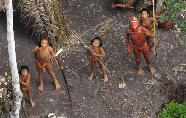 genocidio-garimpeiros-massacram-indigenas-isolad-1