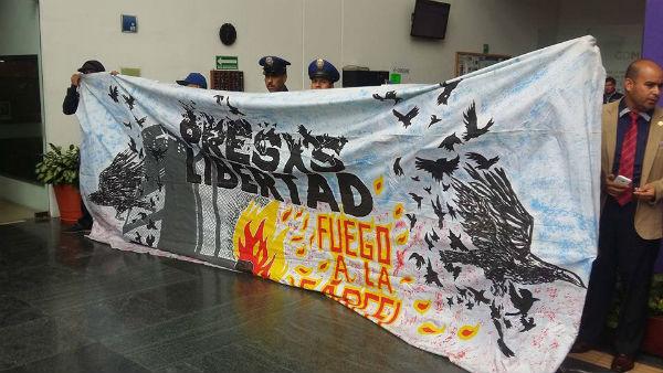 mexico-em-solidariedade-com-fernando-barcenas-2.jpg