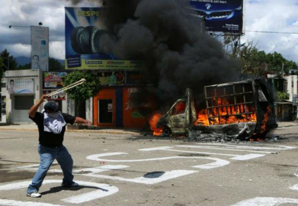 mexico-video-protestos-durante-visita-do-preside-1