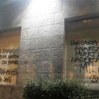 [Argentina] Manifestantes atacaram a sede do governo de Mar del Plata em memória à Santiago Maldonado
