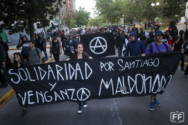 chile-manifestacao-em-memoria-do-anarquista-sant-1
