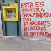 [Espanha] Madrid: Nem nações, nem Estado, nem capitalismo. Sabotagem à Caixa Bank em Vallekas e curto chamado