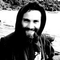 [Grécia] Atenas, 31 de outubro de 2017: Concentração fora da Embaixada da Argentina por ocasião do assassinato do anarquista Santiago Maldonado