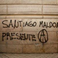 [Uruguai] Dezenas de pessoas participam de protesto em memória de Santiago Maldonado em Montevidéu