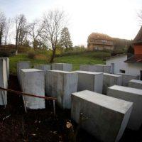 [Alemanha] Monumento do Holocausto é construído em frente à casa de líder da extrema-direita