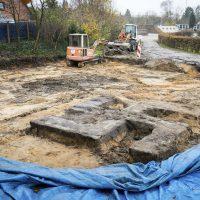 [Alemanha] Suástica de 4m é encontrada durante escavação em um estádio de Hamburgo