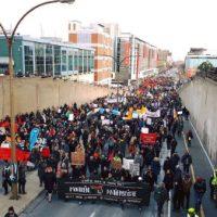 [Canadá] Vídeo: Milhares compareceram ao protesto antifascista em Montreal