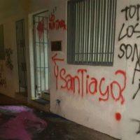 [Chile] Consulado da Argentina em Concepción é atacado com tinta em protesto pela morte de Santiago Maldonado