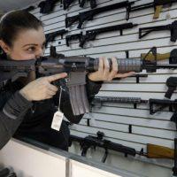EUA têm recorde histórico de vendas de armas durante a Black Friday