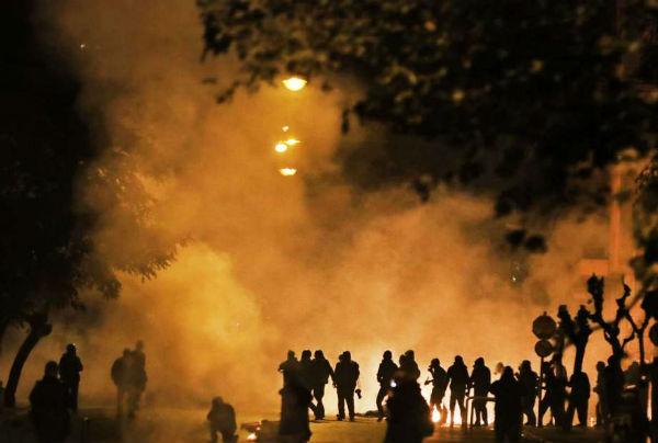 grecia-protestos-relembram-revolta-estudantil-de-1