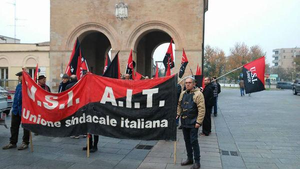 italia-4-de-novembro-antimilitarista-1