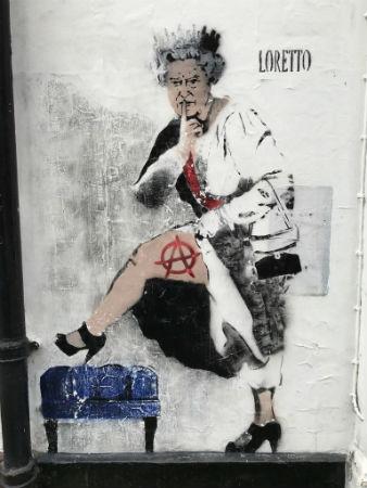 reino-unido-censura-em-londres-o-grafite-de-lore-1