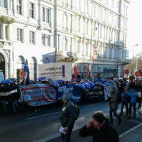 [Áustria] Milhares de pessoas saíram às ruas em Viena contra a coalizão do novo governo com sigla fundada por antigos membros do partido nazista